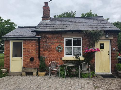 Cottage-Ensuite-The Dairy