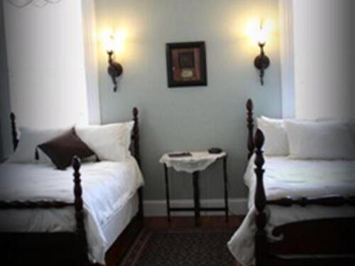 Suite-Shared Bathroom-Standard-Azalea & Camellia Suite