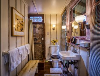 Bathroom, view 01