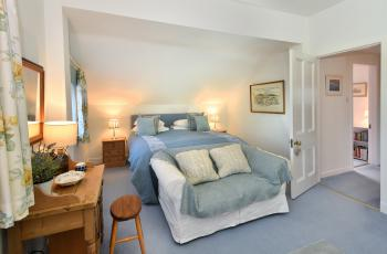 Family-Suite-Ensuite with Bath - Base Rate