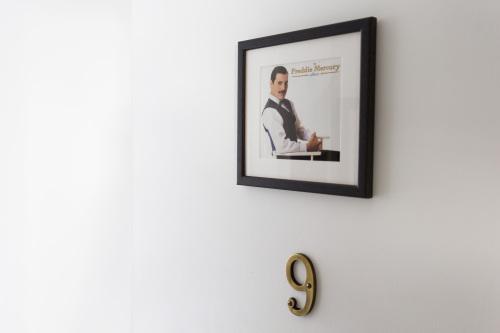 Twin Room | Room 9 | Freddy Mercury