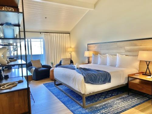 SANDPIPER-Ocean View-Premium-King-Private Bathroom