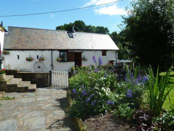 Dee Valley Cottages - peaceful