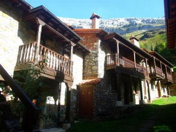Las Casucas de Asón Cantabria