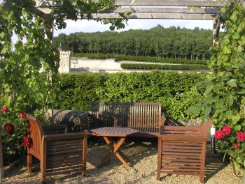 Coin de repos face au Château et ces Jardins