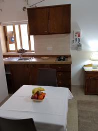 Self Catering Room - kitchenette / dining area