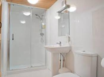 Double room-King-Ensuite with Shower-Lake View - Base Rate