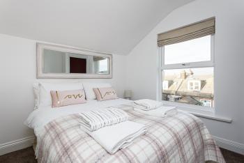 Luxury-Apartment-Private Bathroom-Garden View