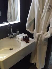 Salle de bains avec 2 vasques