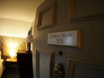 Room 301 Anthony Wayne -Queen-Private Bathroom-Standard-Woodland view