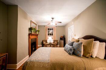 1820 Suite