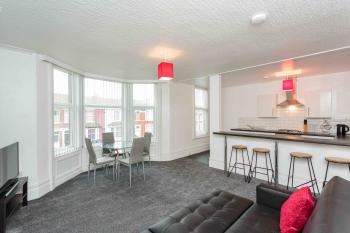 Cherry Property - Berry Apartments - Strawberry Suite - Lounge Area