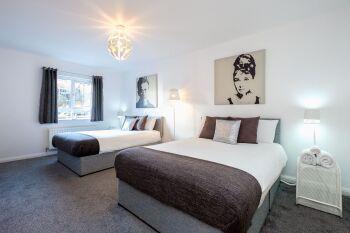 Bright Spacious Quad Bedroom