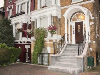 Lampton Guest House - Entrance