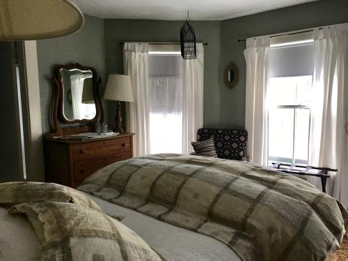 Tracy Room 203