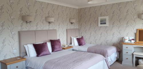 Double or Twin-Superior-Ensuite-Sea View