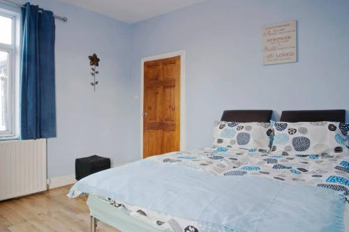 Twin room-Deluxe-Shared Bathroom-Garden View - Base Rate