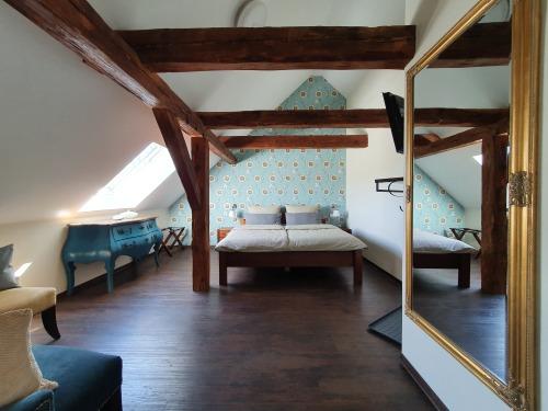 Doppelzimmer-#4 KingLouis im 1.OG-Superior-Ensuite Bad-Gartenblick