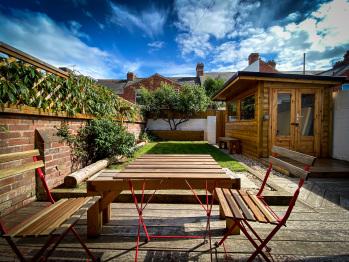 Nomi Homes - Powderham Road  - book direct 07815056671 www.nomihomes.co.uk