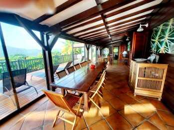 Terrasse couverte/salle à manger