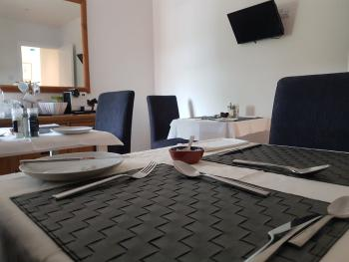 Apple Tree Place B&B - Breakfast room