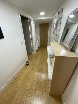 Hallway/ Lobby
