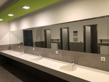 Hochwertiger Sanitäbereich Waschbecken