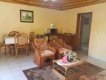 Salon d'appartement familial classique