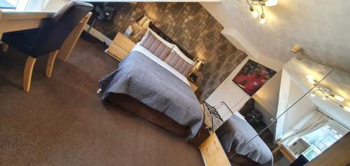 Double room-Superior-Ensuite-( 2 Adults  1 Child) - Base Rate