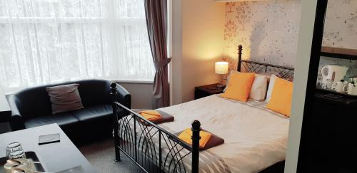 Double room-Suite-Ensuite with Shower-Partial sea view-ROOM