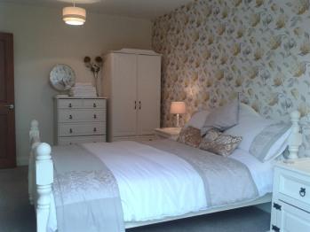 Bancroft Apartment - Double Bedroom