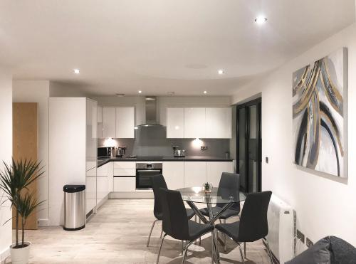 Apartment-Apartment-Private Bathroom-Balcony-2 bedroom apartment
