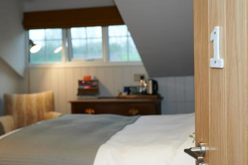 Double room-Premium-Ensuite with Shower - Room Only - No Breakfast