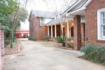 Opus House - Driveway