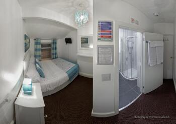 Double room-Comfort-Private Bathroom-Street View-1 Floor