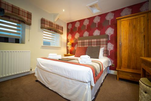 Double room-Ensuite with Bath-Restricted View