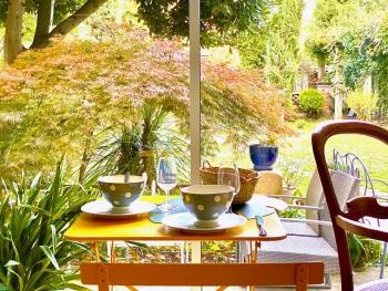 La salle du petit déjeuner Le Rez de Jardin Albi