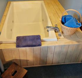 Birch Room #2 Two Person Whirlpool Tub