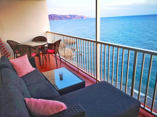 Apartment with Seaviews - 2nd Floor