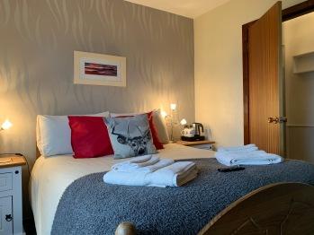 Classic-Double room-Ensuite-Sea View-Treshnish - Base Rate
