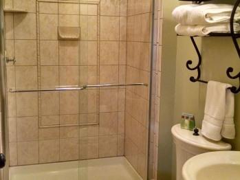 Falls Room Ensuite Bathroom