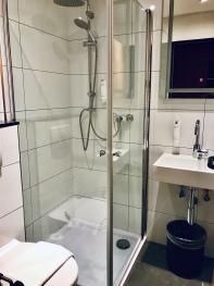Einzelzimmer-Ensuite Dusche-Balkon - Base Rate