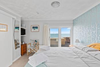 Room 9 Double en-suite sea view balcony