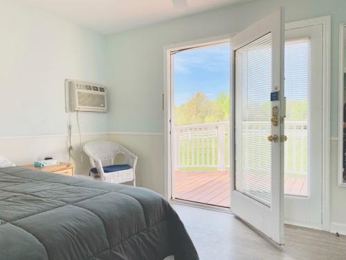 Suite-Private Bathroom-Handicap Accessible