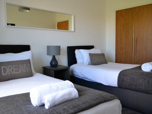 Apartment-Premium-Private Bathroom-Balcony-702935936948