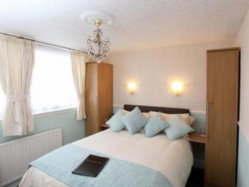 Double room-Ensuite with Shower-2nd Floor - Base Rate