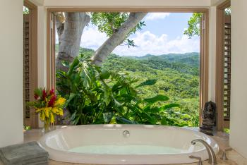 Villa #3 Bathtub