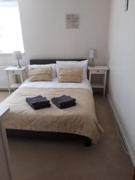 King size bedroom, freshly laundered linen and towels provided