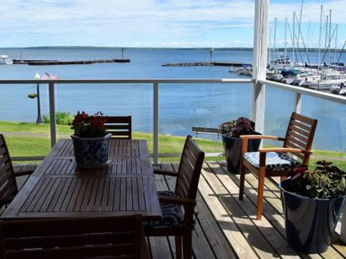 Bayfield on the Lake 202