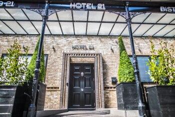 Hotel 21 - Entrance